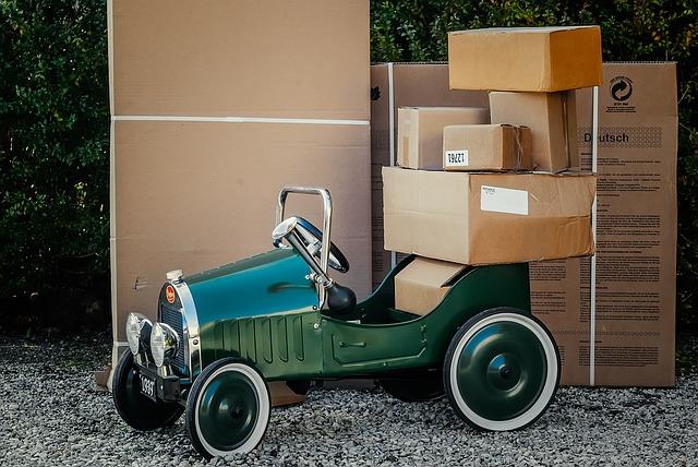 autíčko u krabic